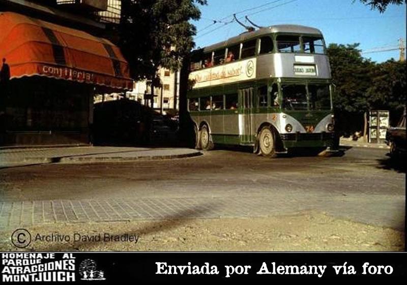 Autobús similar al del Parque de Atracciones de Montjuic